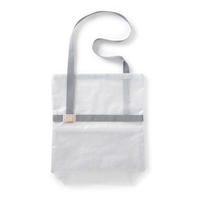 かや織ビニールのショルダーバッグ
