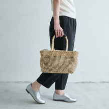 メイズ透かし編みファスナーバッグ