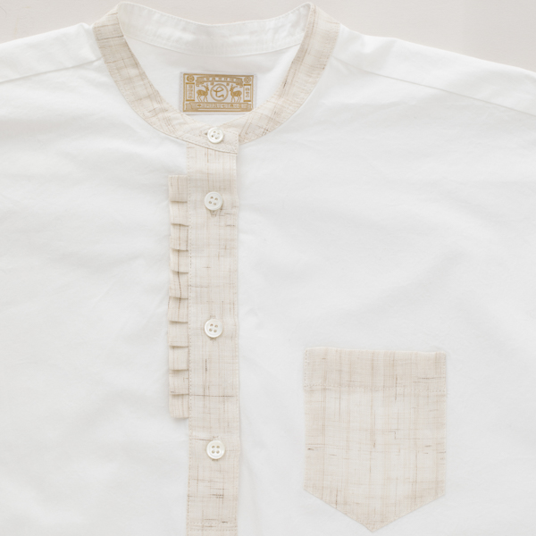手織り麻を使ったタックシャツ