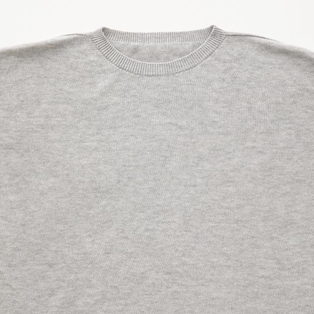 肌で着るコットンカシミヤのニットTシャツ