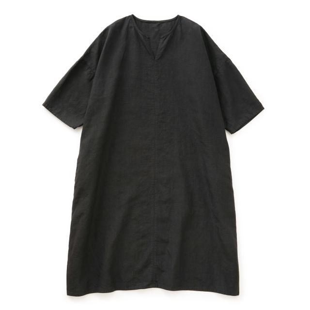 高密度に織った麻のワンピース