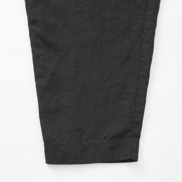 高密度に織った麻のパンツ