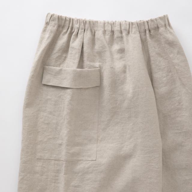 高密度に織った麻のワイドパンツ