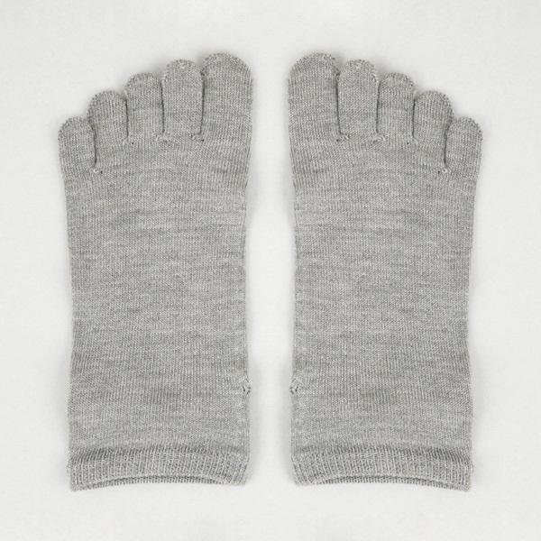 絹のしっとり5本指靴下 グレー