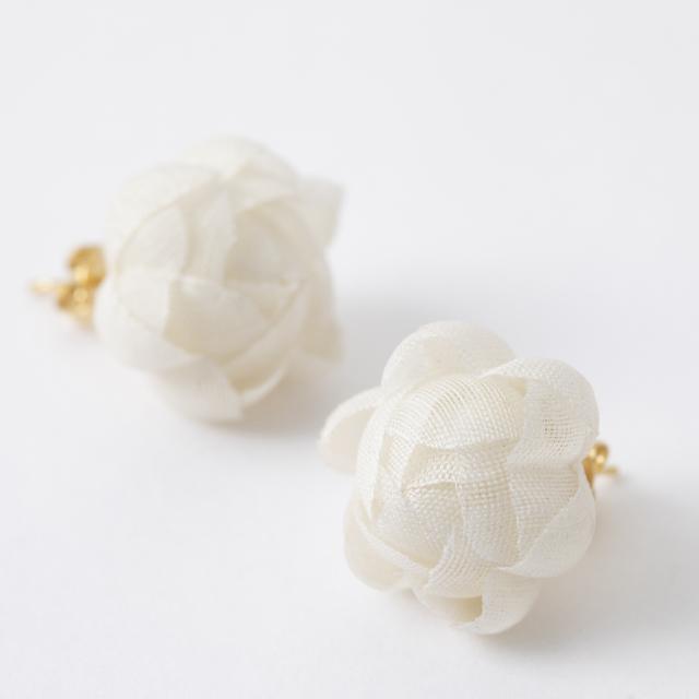 花のピアス 富山 しけ絹