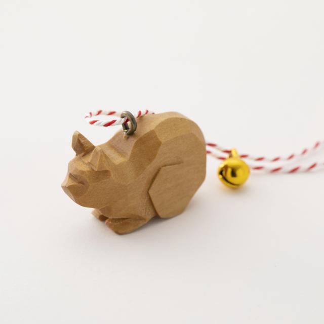 手彫りの猫鈴