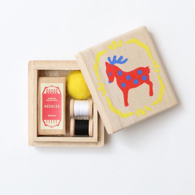 小さな裁縫箱