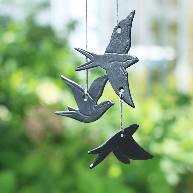 南部鉄の燕鈴 群燕