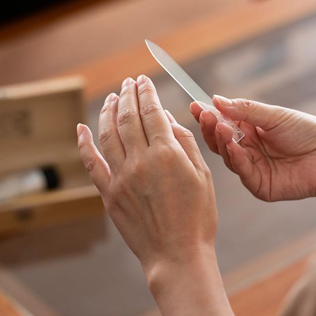 江戸切子の爪磨き