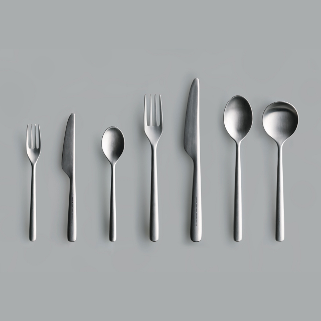 THE DINNER SPOON