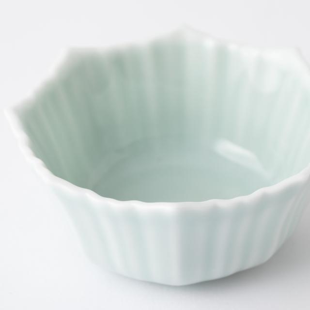 鍋島虎仙窯 鍋島青磁 輪花小鉢