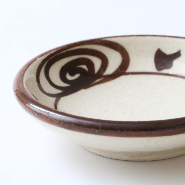 瀬戸焼の豆皿 3寸 馬の目