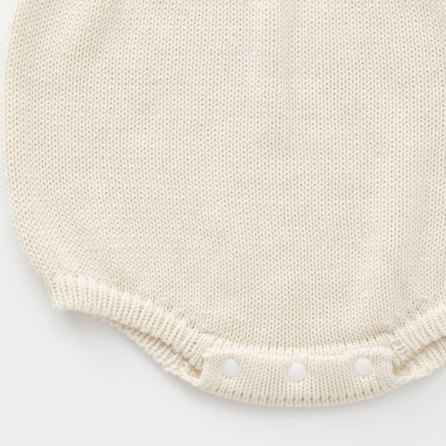 鹿の子編みのベビーロンパース