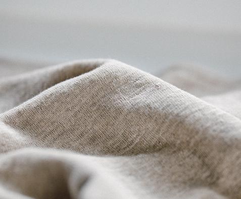 麻ならではの吸水速乾性で、 肌の快適を保ちます