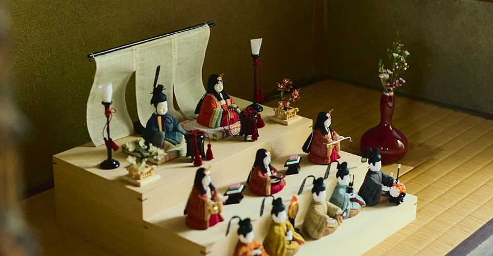 手織り麻の木目込み雛飾り