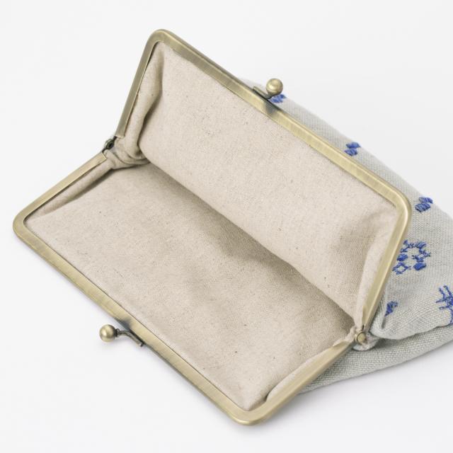 がま口ポーチ 絣刺繍